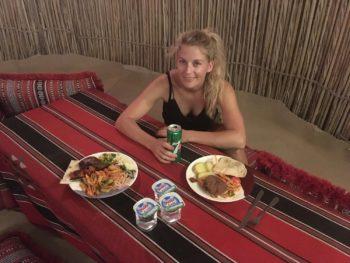 Barbecue lors d'un safari dans le désert de Dubai