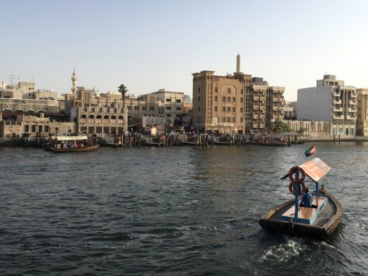 Traversée du Khor Dubai en abra