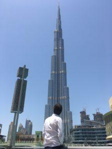 Voir le Burj Khalifa à Dubai
